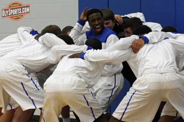 Jonathan Roberts leads the SPSCC cheers - Oly Sports file photo